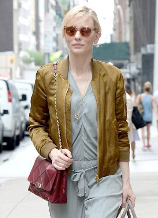 Cate Blanchett con un Bomber